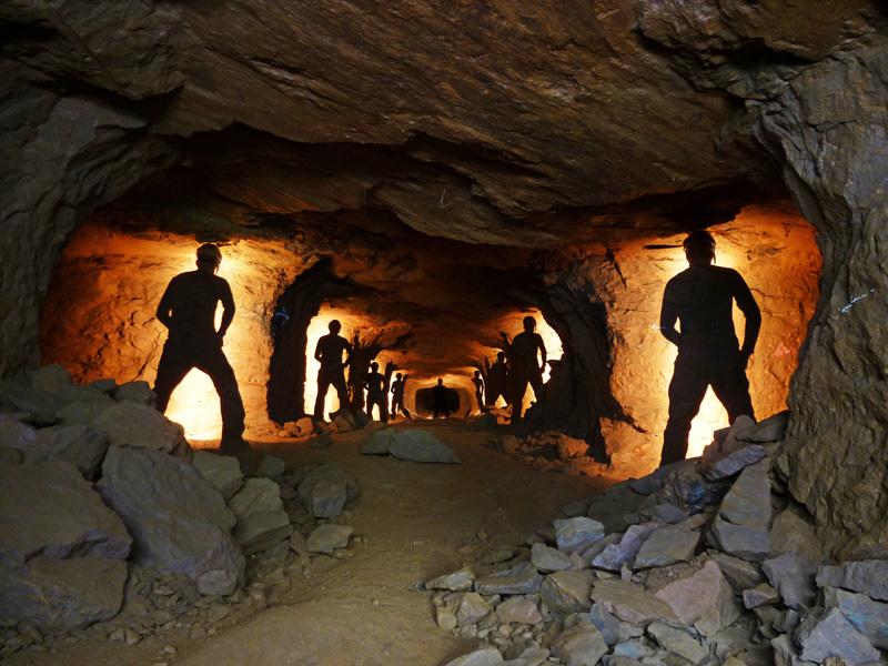 Jeu de lumière dans une mine de fer
