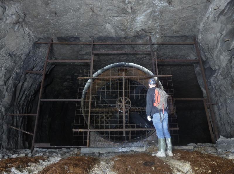 Ventilateur dans une ancienne carrière de ciment