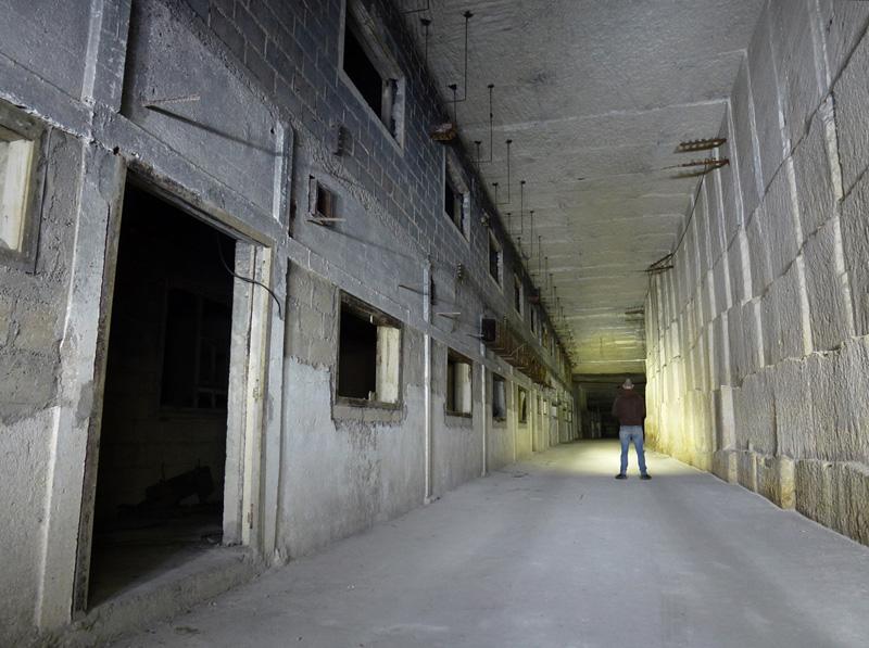 Carrière aménagée en usine souterraine